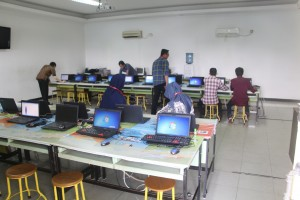 Pelatihan-Website-oleh-cyborg-it-center